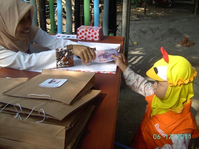 Transaksi Bisnis Anak TK Khalifah